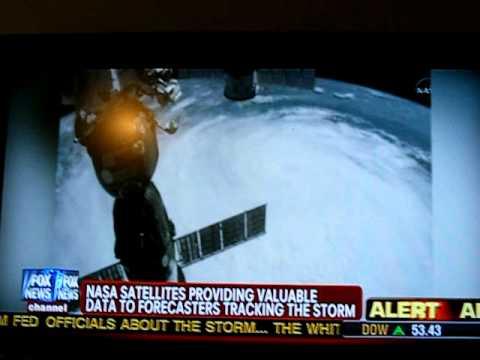 Astronauti dell'ISS catturano un ufo durante le riprese dell'uragano Irene
