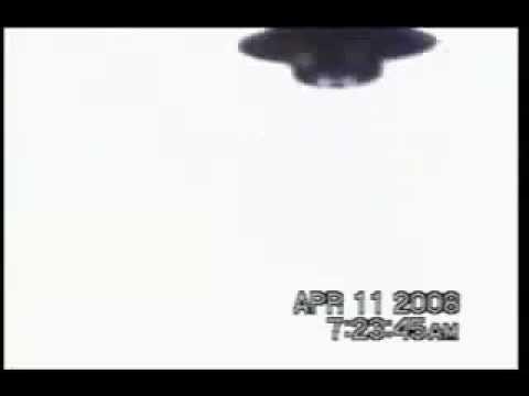 Napoli, ragazzino fotografa un «Ufo» «Pensavo fosse un aereo di Gheddafi»