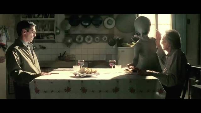 Pillole estive: Il tg3 e gli alieni, l'arte di scindere l'atomo in casa ed improbabili collegamenti sotterranei
